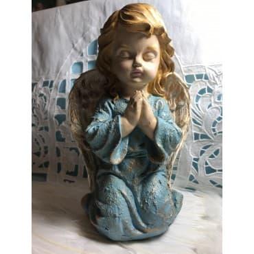 Ange priant bleu